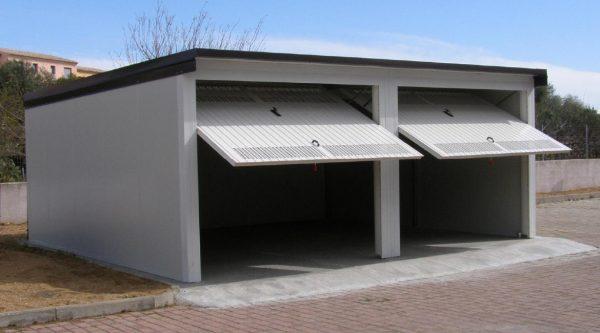 Box auto prefabbricati in lamiera zincata o coibentati for Box cani prefabbricati prezzi