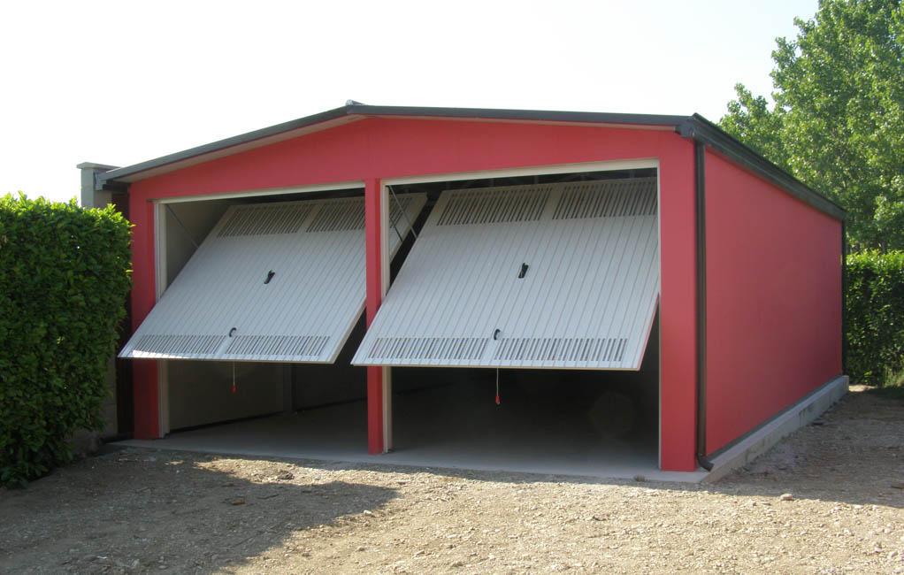 Box auto prefabbricato coibentato per ricovero mezzi - Garage mobile per auto ...
