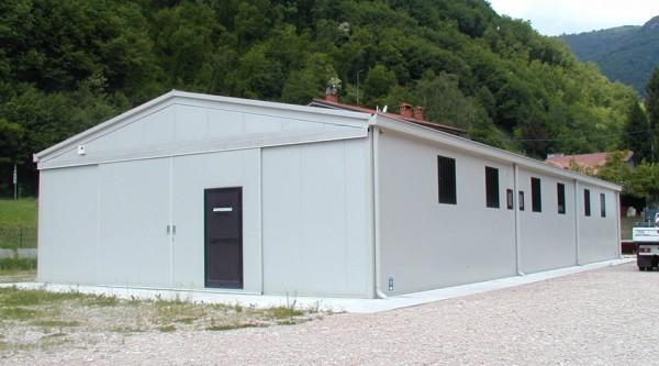 Capannoni industriali agricoli e magazzini prefabbricati for Vendo capannone in ferro