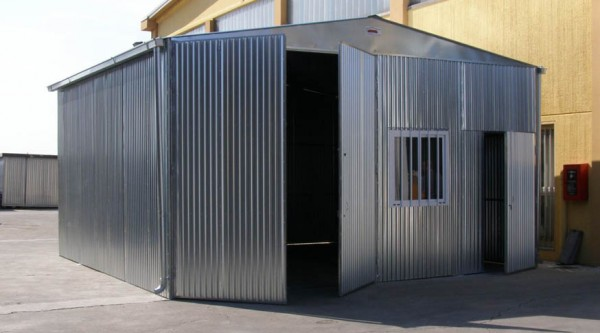 Capannoni industriali agricoli e magazzini prefabbricati for Capannoni in legno prezzi